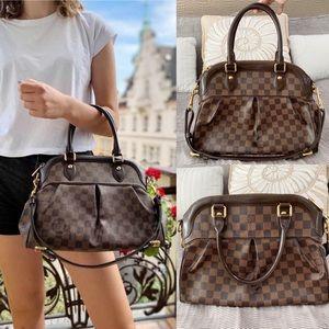 ♥️TREVI PM♥️ Auth Louis Vuitton Damier Ebene Bag!